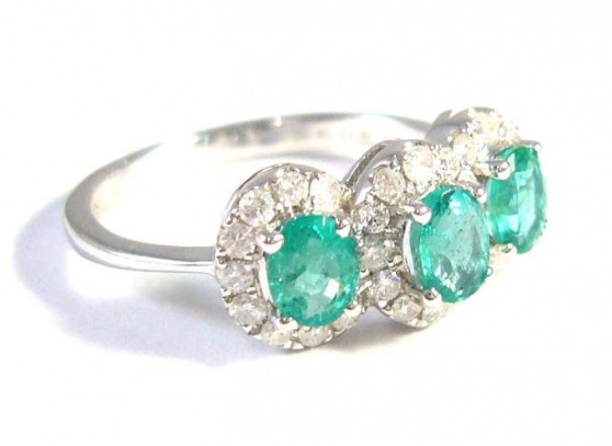 Annonce occasion, vente ou achat '18 kt gold ring with emeralds and diamon'