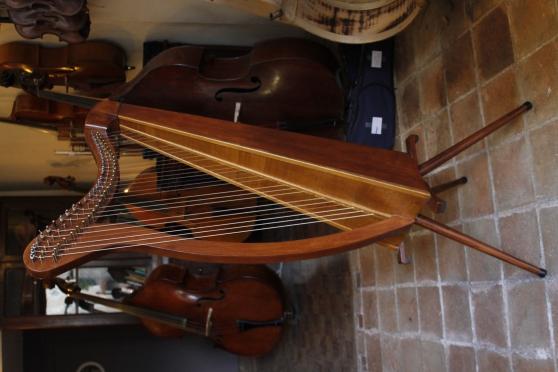 harpe celtique musique instruments harpes p rigueux. Black Bedroom Furniture Sets. Home Design Ideas