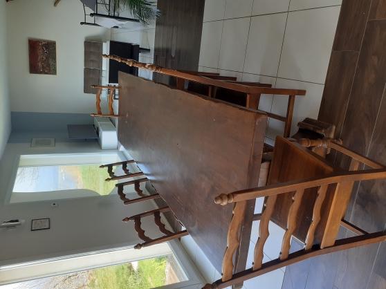 Table monastère + 8 chaises