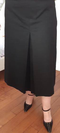 Annonce occasion, vente ou achat 'Jupe en laine noire'