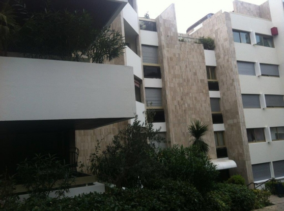 t3 terrasse 13008 marseille