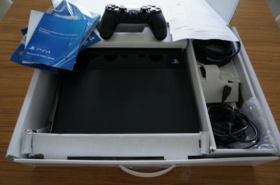 Console PS4 500 Go + 18 mois de garantie