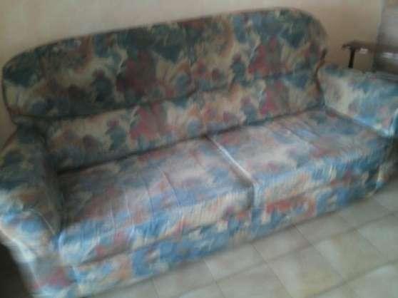 Petite Annonce : Salon complet - Salon complet   fauteuil  3 et 1 place avec ou housse  table salon