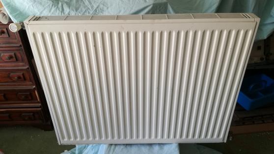 Petite Annonce : Radiateur chauffage central - Radiateur à eau chaude simple rang En acier couleur blanc Très bon