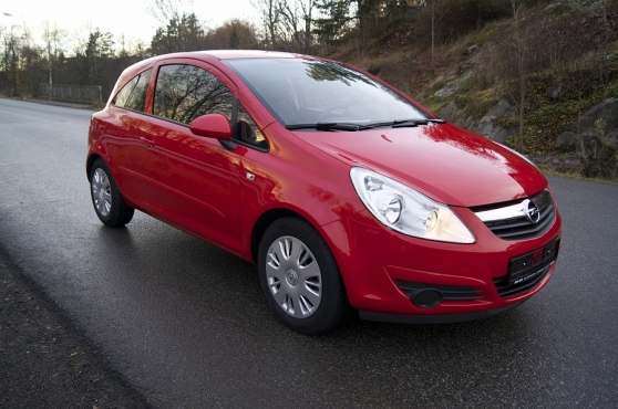 belle Opel Corsa ENJOY 2007,de couleure