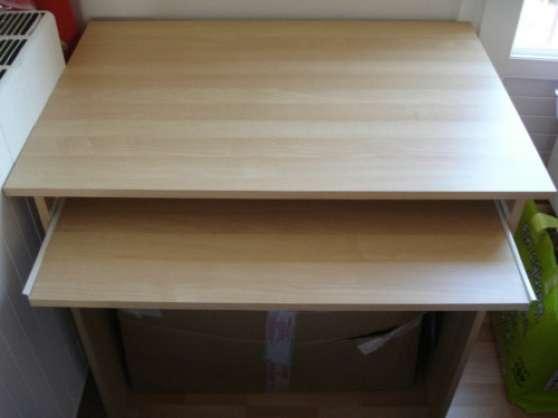 Bureau couleur pin avec tablette coulissante meubles - Bureau avec tablette coulissante ...