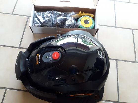 Annonce occasion, vente ou achat 'Robot tondeuse Cub Cadet XR1 500'