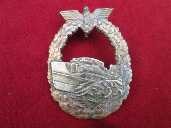 Annonce occasion, vente ou achat 'Rare badge allemand de combat de vedette'