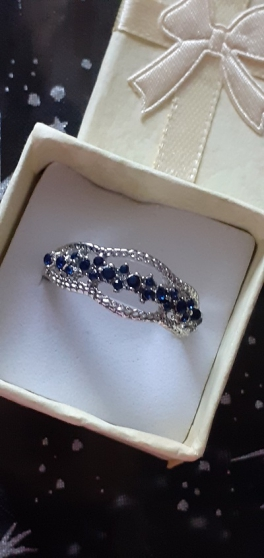 Bague anneau cristal bleu