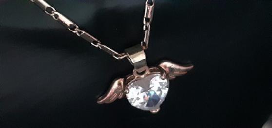 Joli pendentif Cœur strass et ailes d\'An - Photo 3