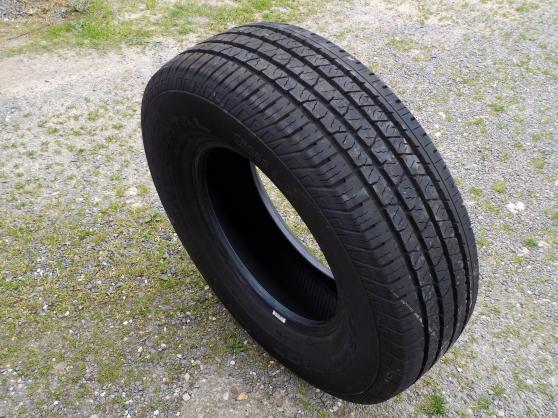 5 pneus 255/70 r16 - Annonce gratuite marche.fr