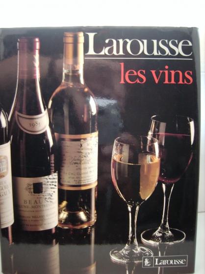 """""""LES VINS"""" dictionnaire LAROUSSE."""