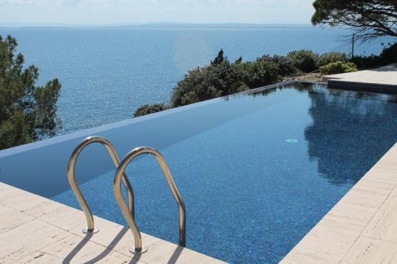 bel apt av grdes terrasse rosas espagne barcelone immobilier a vendre etranger espagne. Black Bedroom Furniture Sets. Home Design Ideas