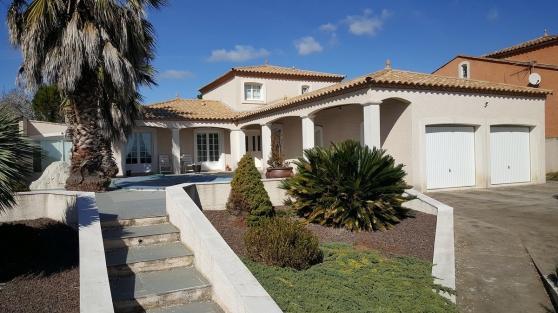 Annonce occasion, vente ou achat 'Villa 210m2 avec piscine et studio'