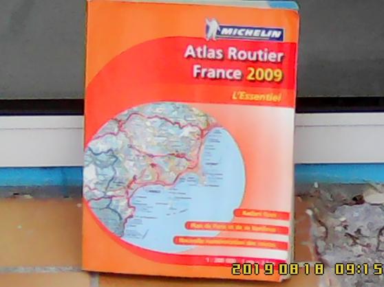 Annonce occasion, vente ou achat 'Atlas routier Michelin, année 2009.'