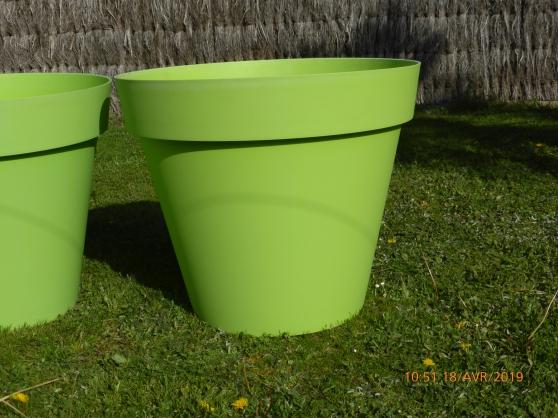 Annonce occasion, vente ou achat 'Grands pots TOSCANE vert'