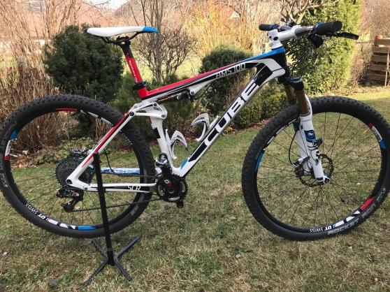 Vélo de montagne Cube AMS 100 Super HPC