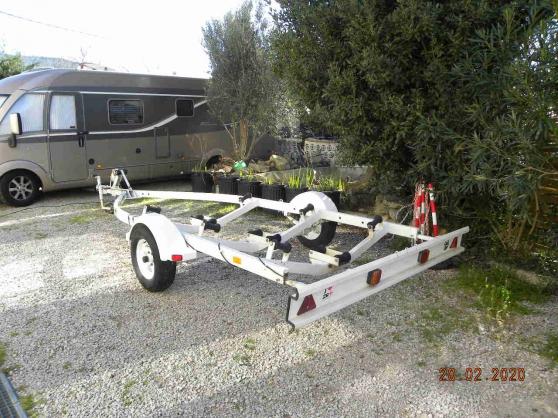 remorque bateau PTAC 750 kg.