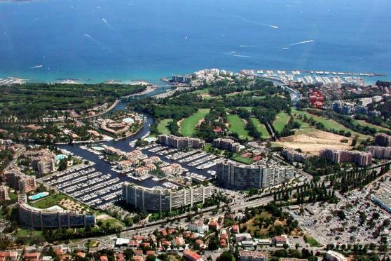 Place de port 7mx2.5m emplacement idéal - Photo 2