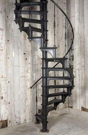 Escalier colimacon en fonte mat riaux de construction - Escalier metal occasion ...