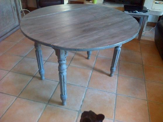 table ronde ancienne patin e. Black Bedroom Furniture Sets. Home Design Ideas