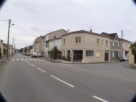 maison de périphérie de petite ville
