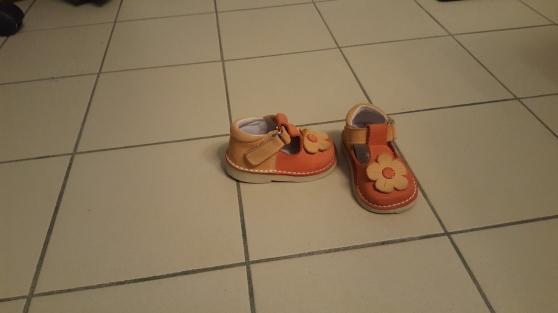 Lot de 4 chaussures fille. T19-T21-T22. - Photo 2