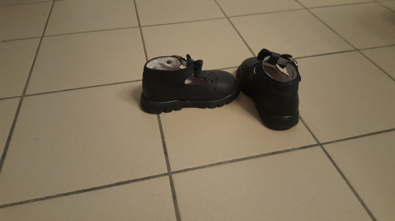 Lot de 4 chaussures fille. T19-T21-T22. - Photo 4