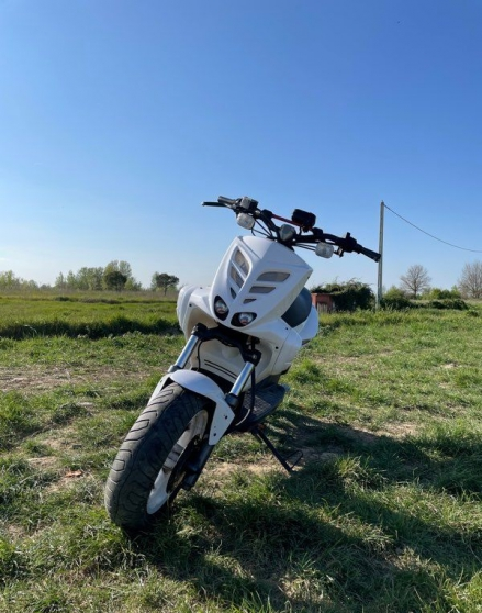 Annonce occasion, vente ou achat 'Scooter Yamaha stunt'