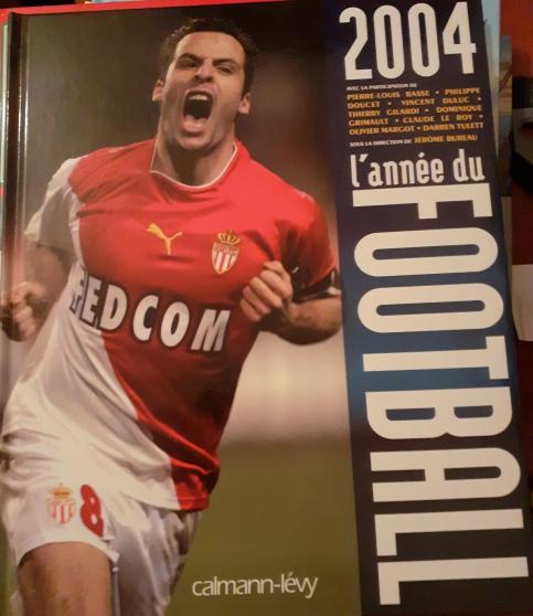 Annonce occasion, vente ou achat '2 ouvrages sur le Football années 2000.'