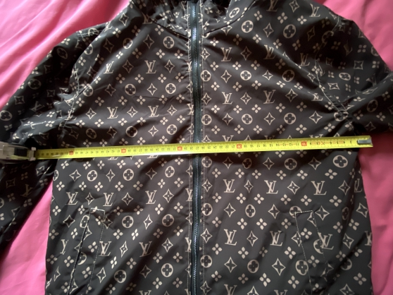 Blouson à capuche Louis Vuitton - Photo 3