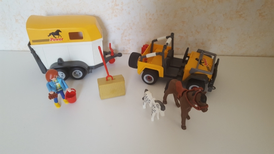 Annonce occasion, vente ou achat 'Playmobil 3249 -2- Cavalière - et Van'