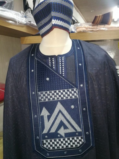 vêtements neufs africaines GOOD LUCK - Photo 3