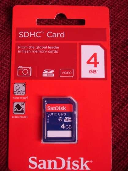 vend carte mémoire 4 GB