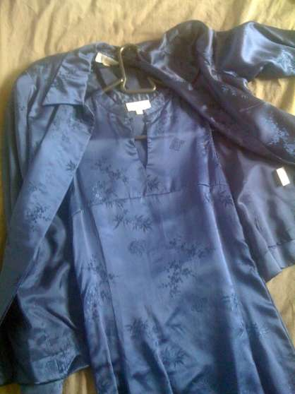 robe satinée chinoise avec veste