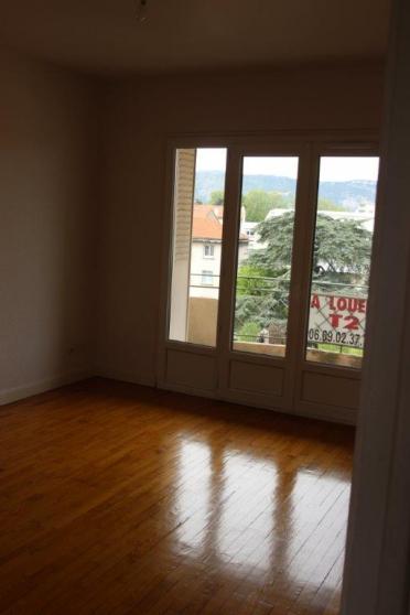 Annonce occasion, vente ou achat 'Location F3 3ème étage'