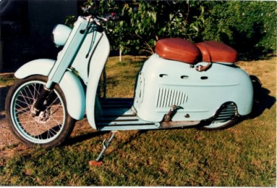 VENDS SCOOTER MANURHIN A Toulouse MOTO