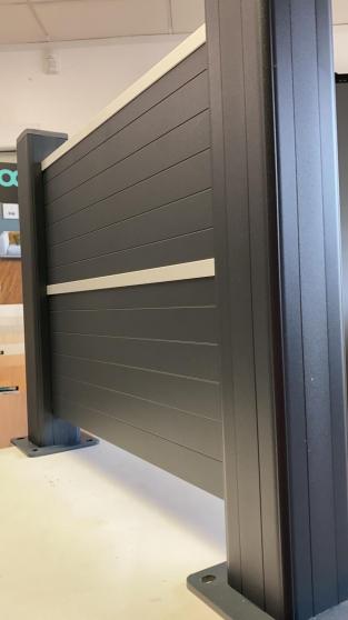 clôture en aluminium en stock limité