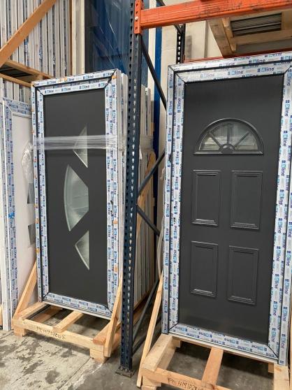 Annonce occasion, vente ou achat 'Porte d\'entrée PVC/ALU en stock'