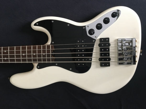 Annonce occasion, vente ou achat 'Fender Jazz Bass'