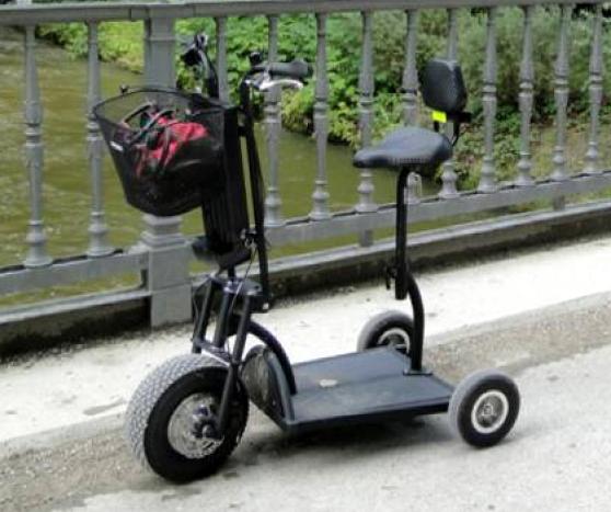 Annonce occasion, vente ou achat 'trottinette électrique trois roues'