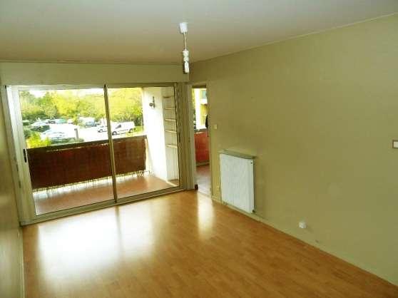 T3, 64 m2 , deux chambres + cave 175000E
