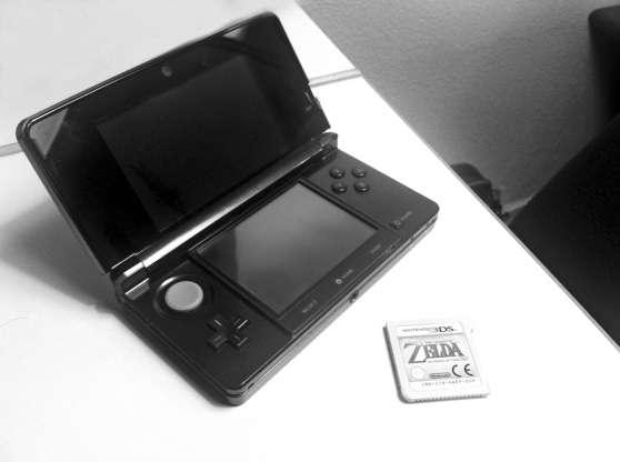 Nintendo 3DS noir très peu utilis+12jeux