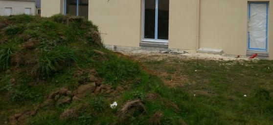 Donne terre suite construction à Bouée