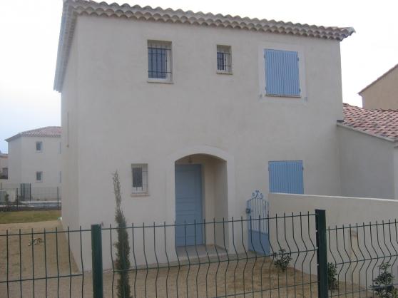 Lagnes 84 / maison 127 m² jard 980 E/M