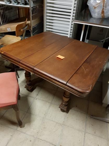 Table carrée bois Mi-hauteur