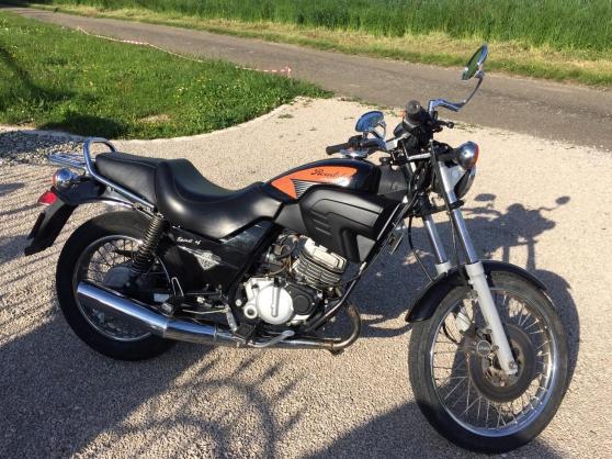 Cagiva 125 cc Roadster en très bon état