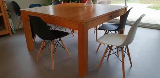 Annonce occasion, vente ou achat 'Table 140cmx140cm bois massif'