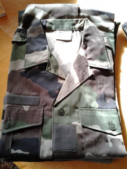 Vêtements militaires et accessoires