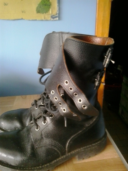 Rangers militaires et sandales